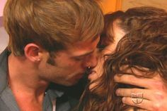 William Levy y Jacqueline Bracamontes muy apasionados en Sortilegio