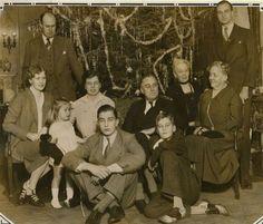 Eleanor & Franklin Roosevelt family Christmas photo dated 1930. Franklin Delano Roosevelt ...