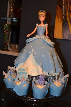 Ellie's Cinderella cake for her 3rd birthday.