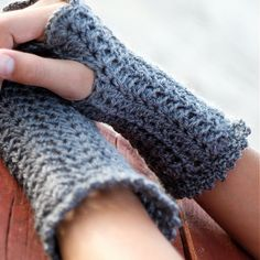 lovely crochet wrist warmers