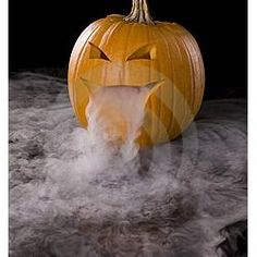 How To Create Jack-O-Lantern Halloween Fog / Bubbly Fog. Dry ice inside a pumpkin. add a green glowstick to make it even spookier! Love Halloween!