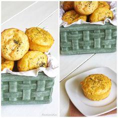 Muffins de cheddar y hierbas provenzales con relleno de queso crema