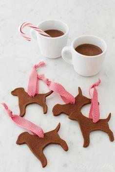 Applesauce + Cinnamon Ornaments | Love the bird dogs! {via Ritzy Bee}