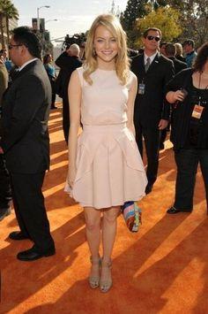 Emma Stone at the #KCAs was fresh and feminine in Spring 2012 Antonio Berardi