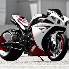 Custom R1 Yamaha