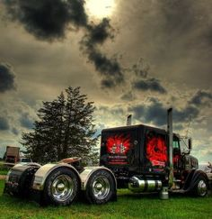 Tricked Out Semi Trucks | Semi Truck Audio Systems