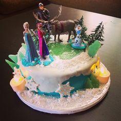 Disneys Frozen Happy Birthday Cake