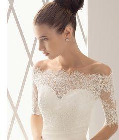Mermaid cut lace wedding dress :)