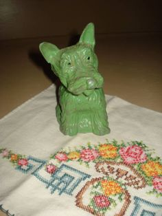 Vintage Jadite Green Metal Scotty Dog Bank