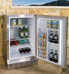 Keep beverages cold, ingredients fresh, and desserts perfectly chilled while you cook outdoors with this Lynx Outdoor Refrigerator.