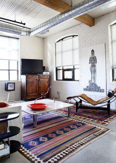 tv in corner of living room #homedecor