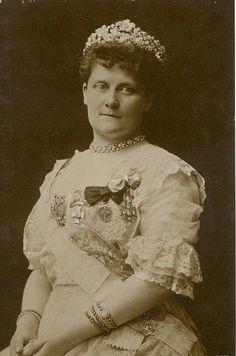 Lousie von Bayern (1869–1952) mit floraler Tiara