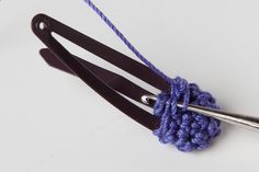 Crocheterie: How to crochet a hairpin flower. Free tutorial.