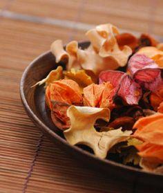 Make your own autumn potpourri
