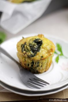 Quinoa Quiche Muffins with Spinach and Cheese