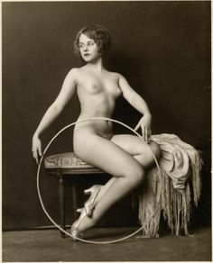 I never knew that Paulette Goddard had been a Ziegfeld girl! What a beauty.