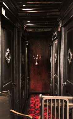 Blackstone Manor Haunted Hallway...just like the Haunted MAnsion