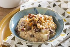 Creamy Slow-Cooker Oatmeal with Pears & Walnuts