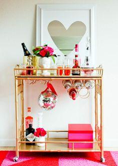 Valentine's Day bar cart via Society Social! #laylagrayce #valentinesday #holiday