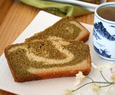 Matcha Almond Tea Cake with Unsweetened Almond Breeze is a winner in our eyes.