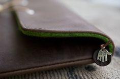 iPad Organic Leather Sleeve The Hand Flattering von filzstueck, $99.00 | #iPadSleeve #iPad5 #iPad5Sleeve #iPadLeather #iPad5Leather #iPadPortel #iPad