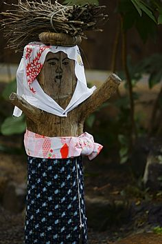 A Japanese Country-Style Wooden Statue in Ohara Town, Kyoto Japan|大原女(おはらめ)