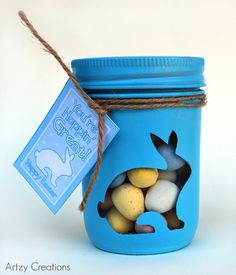 A great DIY Easter Gift for a teacher, friend or neighbor. Bunny Mason Gift Jars! Printable bunny cut out & Gift tags included.