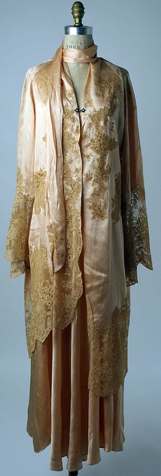 1926 nightgown and robe, silk and lace