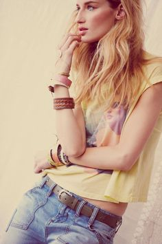 Free People model vibe fashion, summer skin, messy hair, festivals, festival looks, blond, free peopl, people, chic clothing