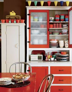 Love this colorful kitchen!