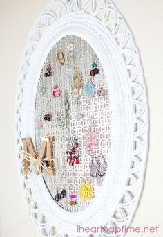 DIY Jewelry Organizer on iheartnaptime.net #organizing #homedecor