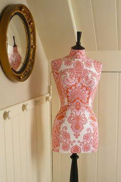 Gorgeous dress form