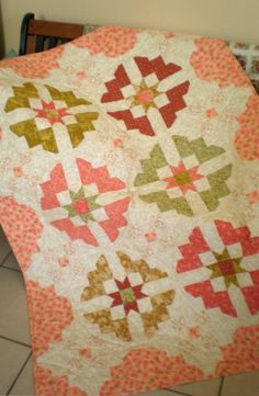 This would be gorgeous as a Drunkard's Path quilt, too.