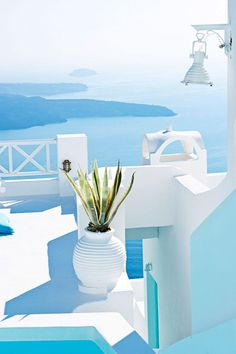 Tempting turquoise waters in Greece