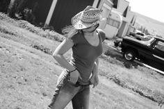 http://alivatan.com/web_images/stephanie_cowgirl_smaller.jpg