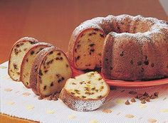 Looking for a delicious cake to bake for Mom this Mother's Day? Try this Cinnamon Sour Cream Cake, full of great cinnamon flavor!