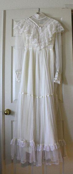 I love Gunne Sax dresses!