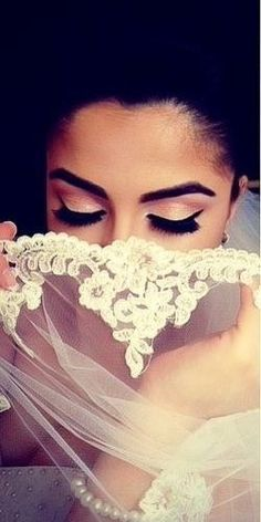 Gorgeous veil and make up