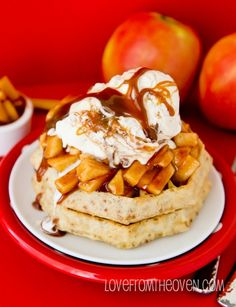 Apple Pie Waffles.   Apple pie for breakfast?  I think yes!