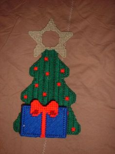 Christmas Tree Doorknob in Plastic Canvas