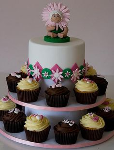 flower baby shower cake & cupcakes