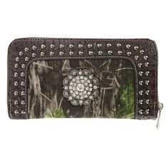 Savana Women's Camo Medallion Wallet