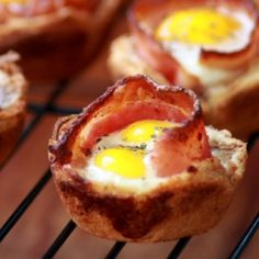 Bacon & Egg Toast Cups.  Cute idea for kids! mani, eggs, cups, egg toast, food, breakfast, fun recip, bacon, toast cup