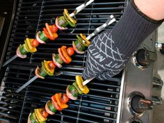 The Barbecue Pit Mitt is made of aramid fibers to form a barrier preventing heat from entering the soft cotton inner layer for ultimate protection.