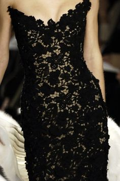 Oscar de la Renta black lace strapless dress