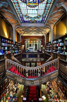 Lello Library classified as the third best bookshop in the world - Oporto, Portugal