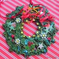 Tutorial - How to Recycle a Jigsaw Puzzle into a Chrismas Wreath