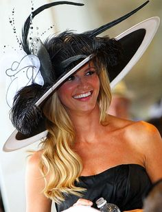 Would totally wear this hat to the Kentucky Derby! Some day I will get there!!!