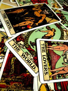 †aro† ∞ #tarot #cards #tarotcards #divination #occult #mysticism #esotericism #theworld #world #devil #lovers #card #fortunetelling #fortune #telling