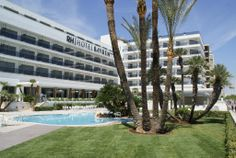 Hotel RH Bayren - Fachada y piscina